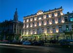 Hotel Inglaterra. Fachada, vista nocturna.
