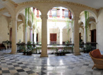 Palacio Ofarrill, Salas de estar.